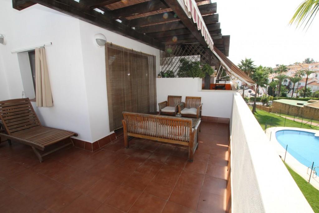 A Vendre Appartement Avec 2 Chambres Et 2 Salles De Bains A Riviera